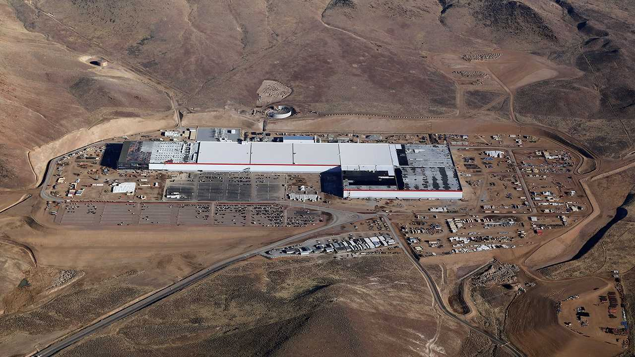 Tesla Gigafactory Adding 150-200 New Employees Monthly