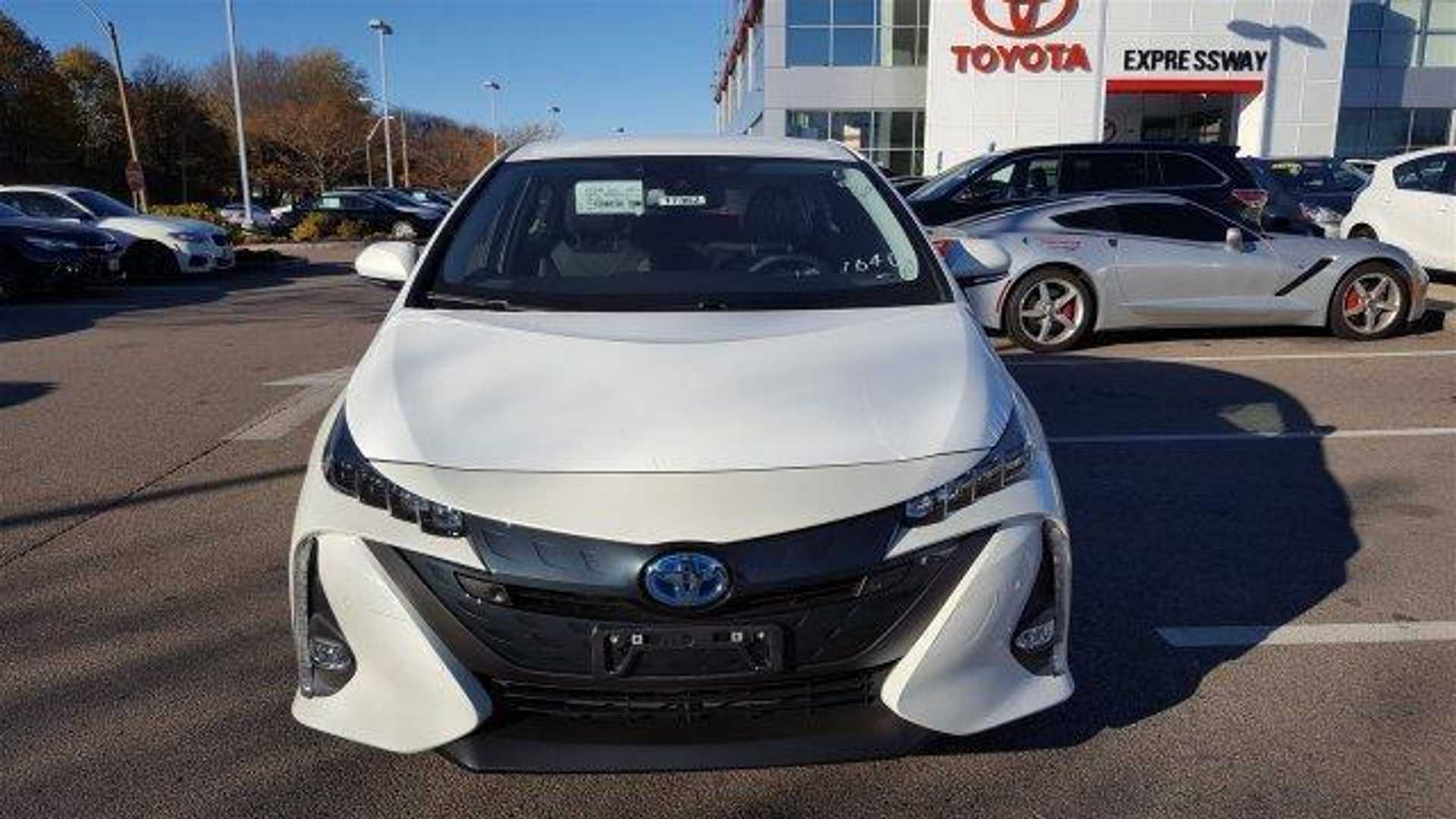 Toyota Prius Prime Arrives In Us Will It Be The Plug S Champion For 2017