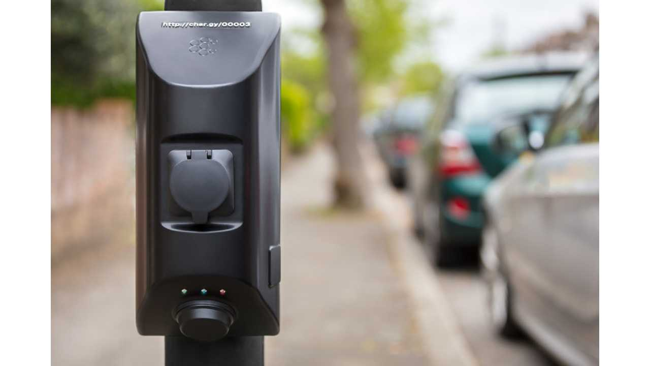 Street Light Electric Car Charging Comes To London