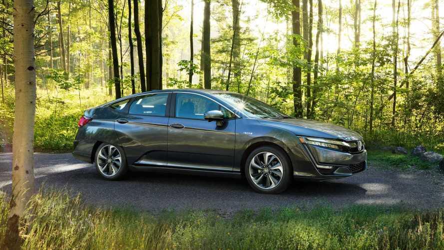 Honda Clarity PHEV Outsells Toyota Prius Prime Plug-In Hybrid Again