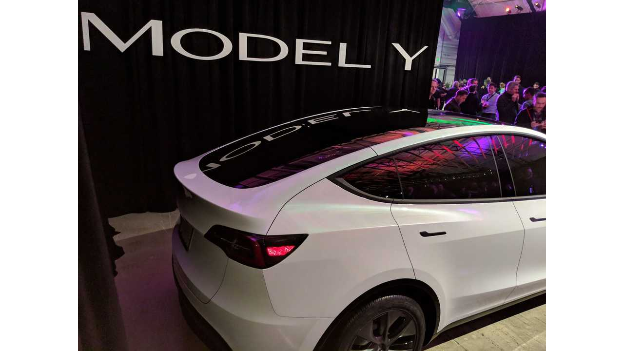 Tesla Model Y Panoramic Glass Roof Is Stunning: Video