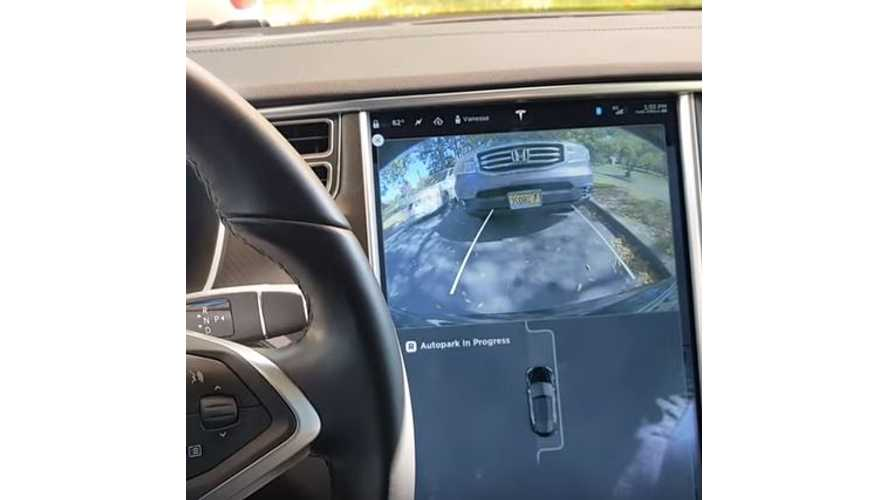 Tesla Model S Auto Park Demonstration - Video