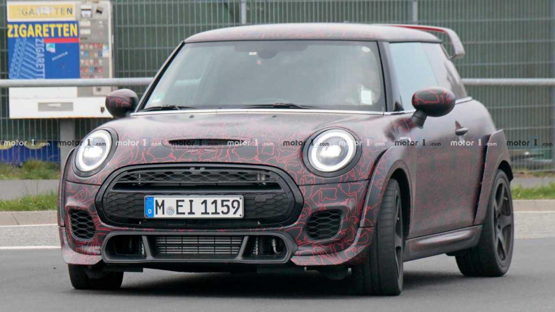 "Новый Mini Cooper JCW GP засняли во время тестов на ""Нордшляйфе"""