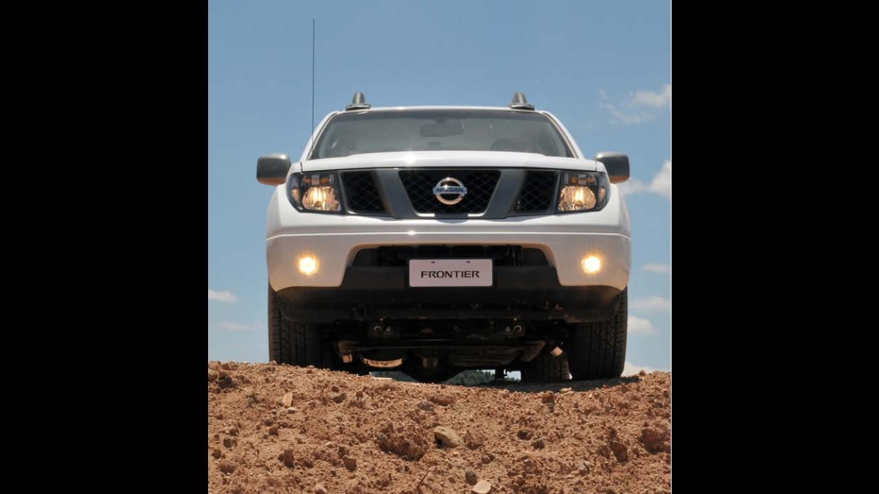 Nissan lança Frontier 2013 com preço inicial de R$ 90.900 - Motores ficaram mais potentes