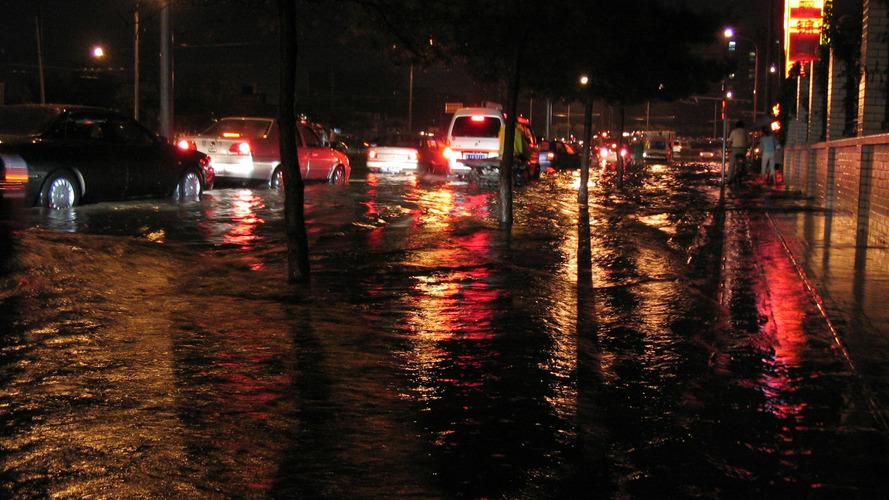 Indonesia Dilanda Musim Hujan, Cek 3 Komponen Ini Sebelum Berkendara