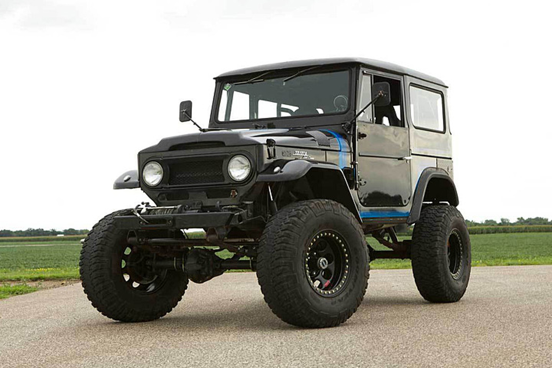 Theres A Chevy V8 Under This Toyota Land Cruiser Brute 1973 Fj40