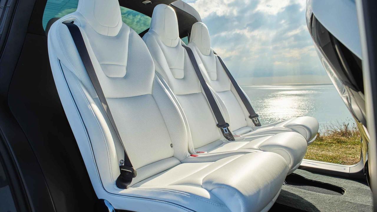 Tesla Model X arka koltukları