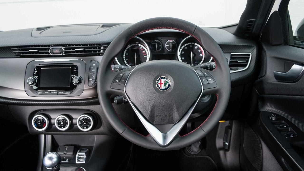 2017 Alfa Romeo Giulietta Review
