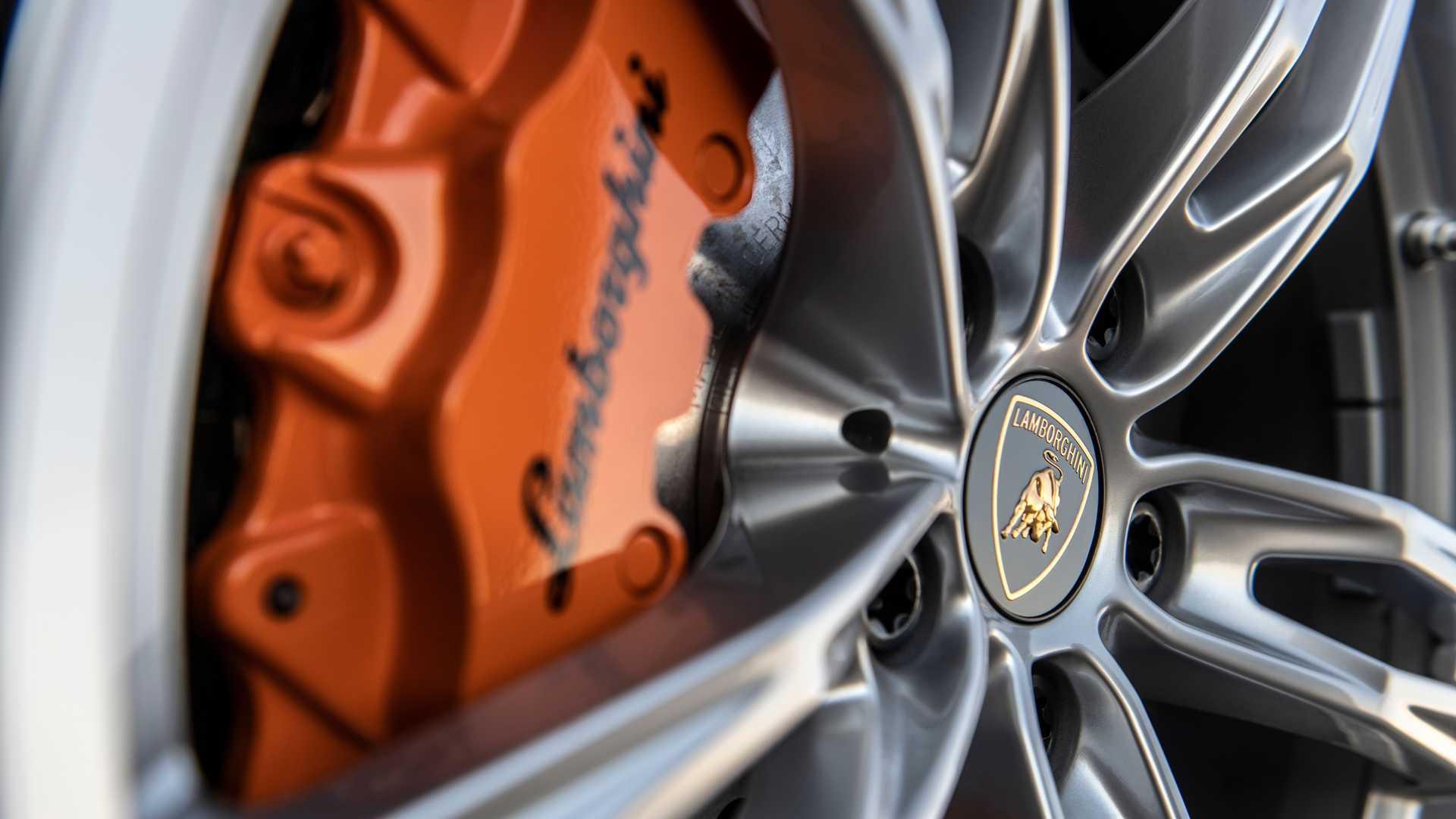 2020 Lamborghini Huracan Evo RWD center cap