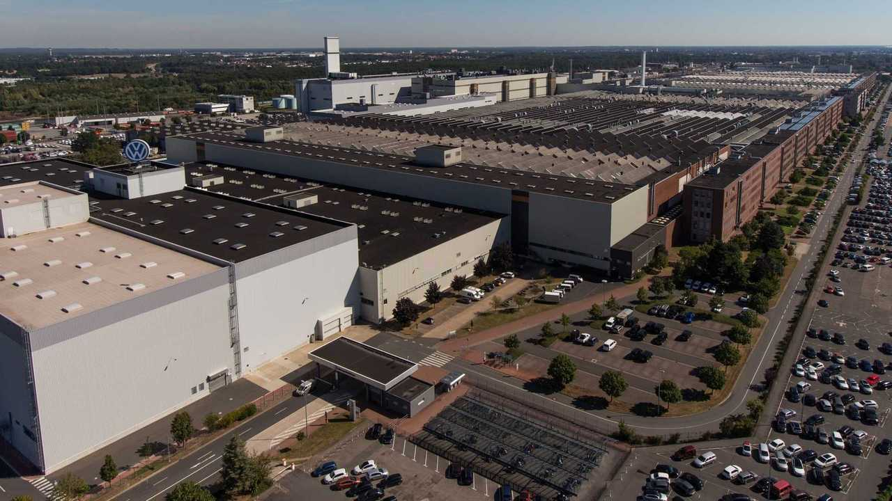 volkswagen-plant-in-hannover-germany (1)