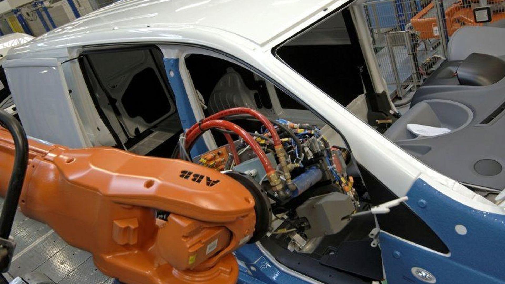 PSA Peugeot Citroen Compact Van Production   Motor1 com Photos