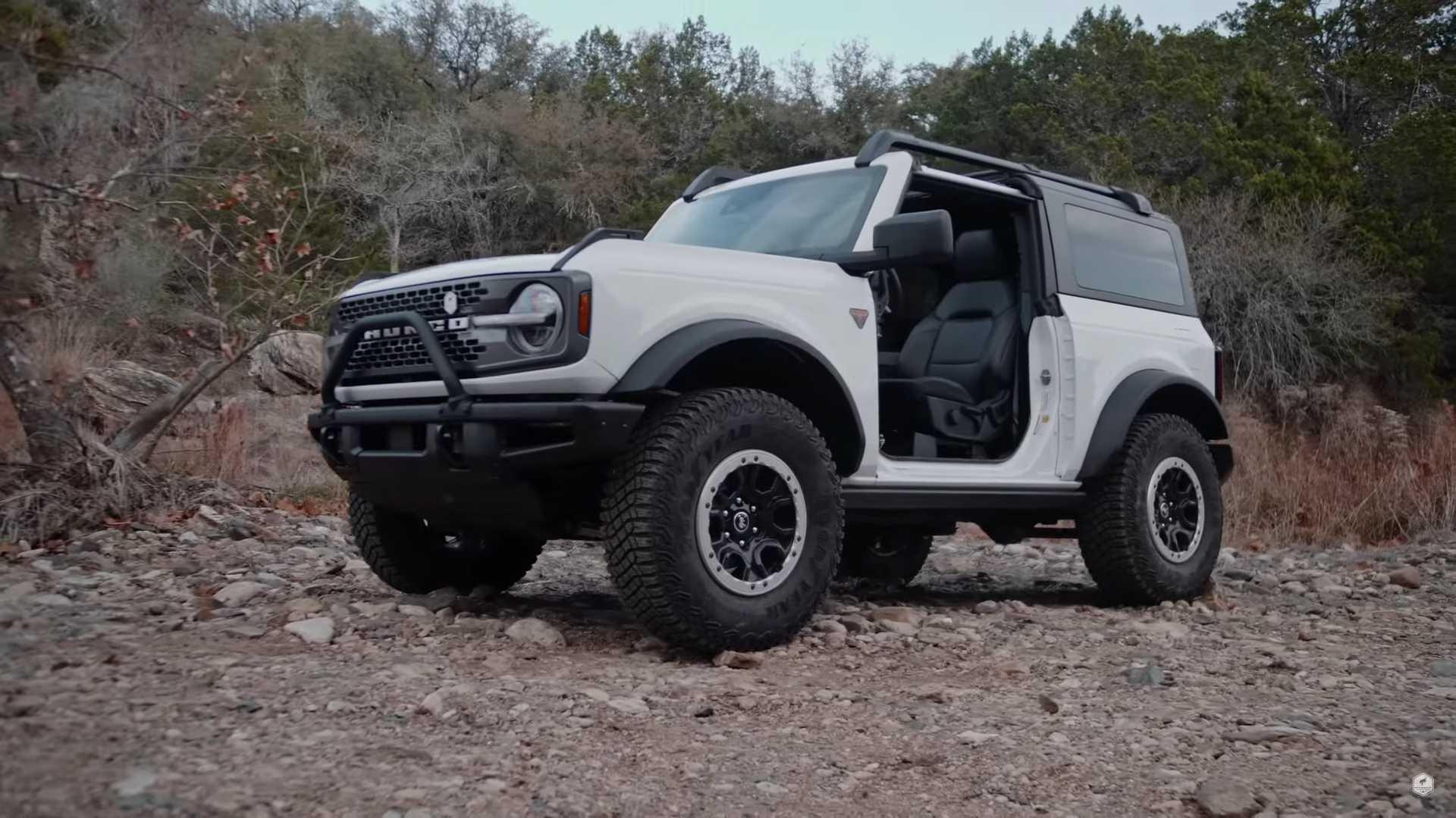 Ford Bronco Badlands 2021 года без дверей получит обходное лечение