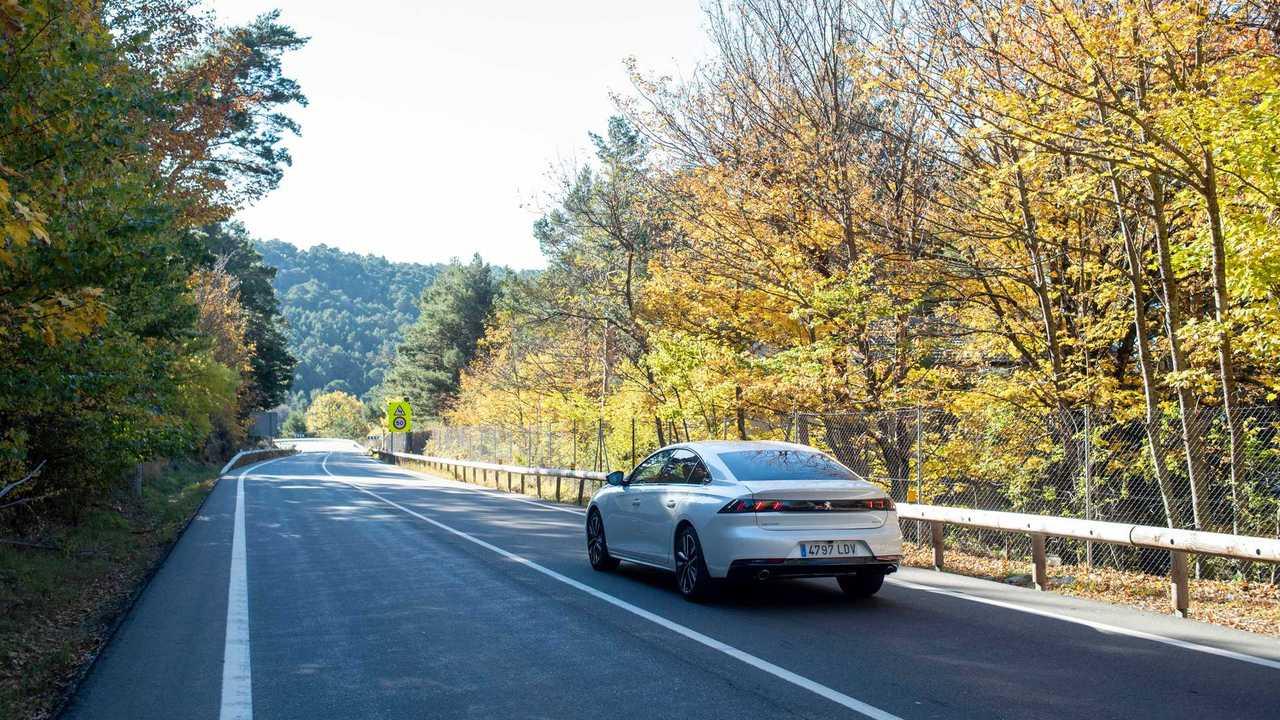 Peugeot 508 HYbrid 225 2020 primera prueba
