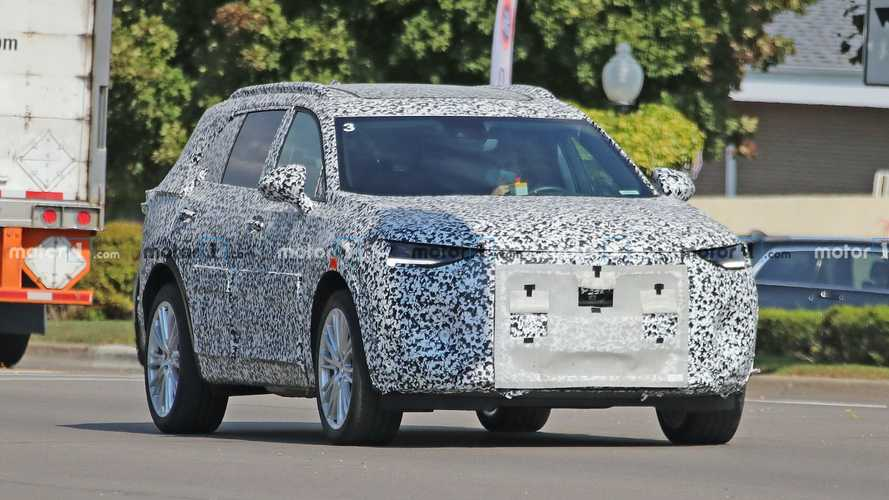 2022 Buick Envision GX Spy Photos