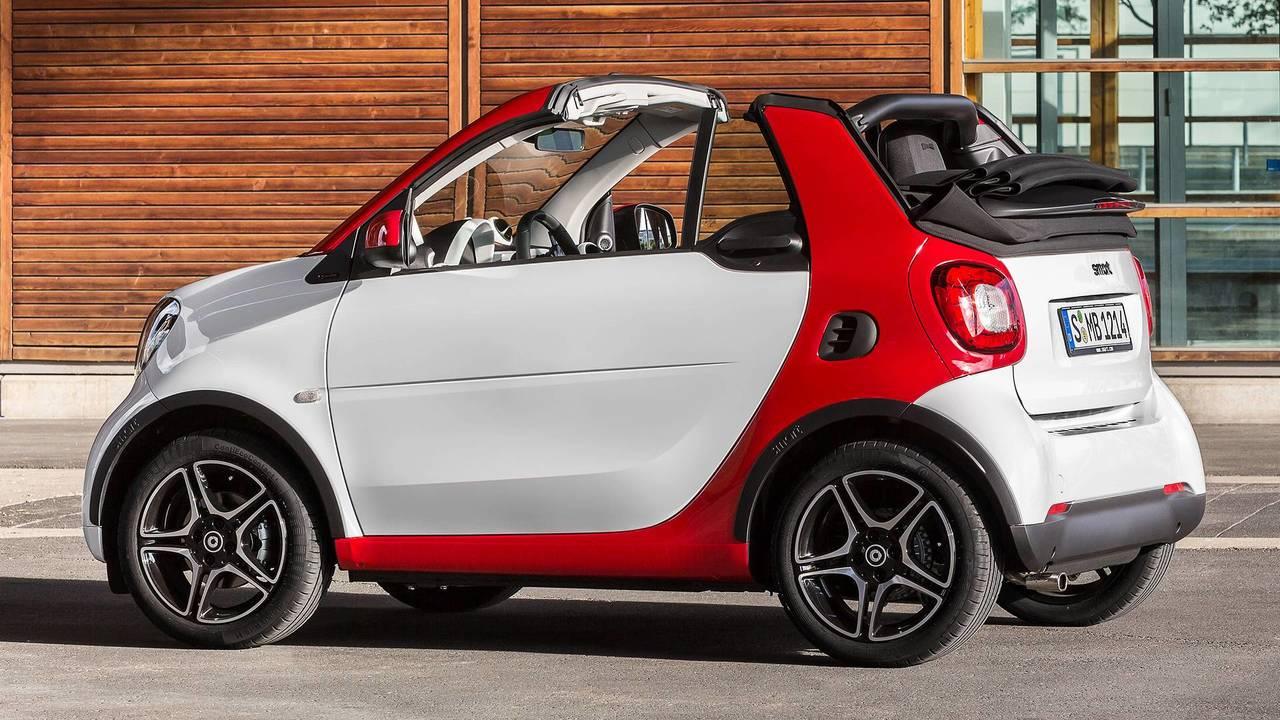 TOP 10 / 20 / 30 Italia e Brasile 2018 - Pagina 5 Smart-fortwo-cabrio