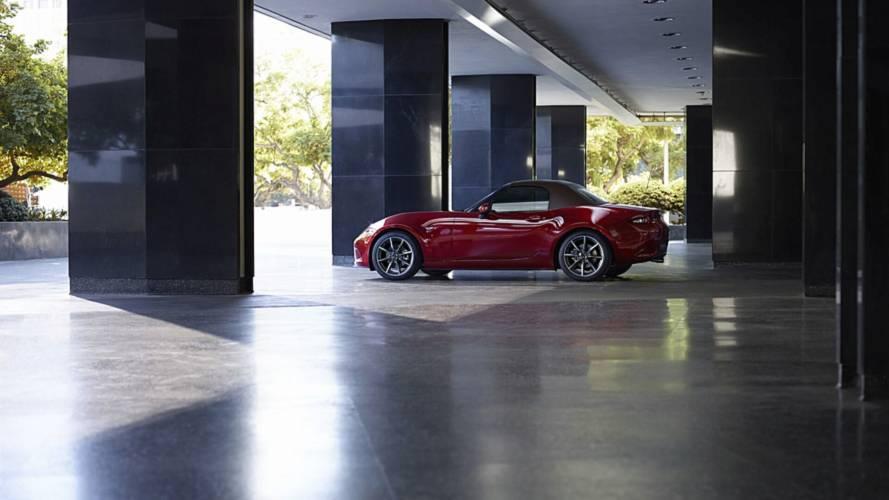 Mazda MX-5 alıcılarının yüzde 76'sı manuel şanzımanı tercih ediyor