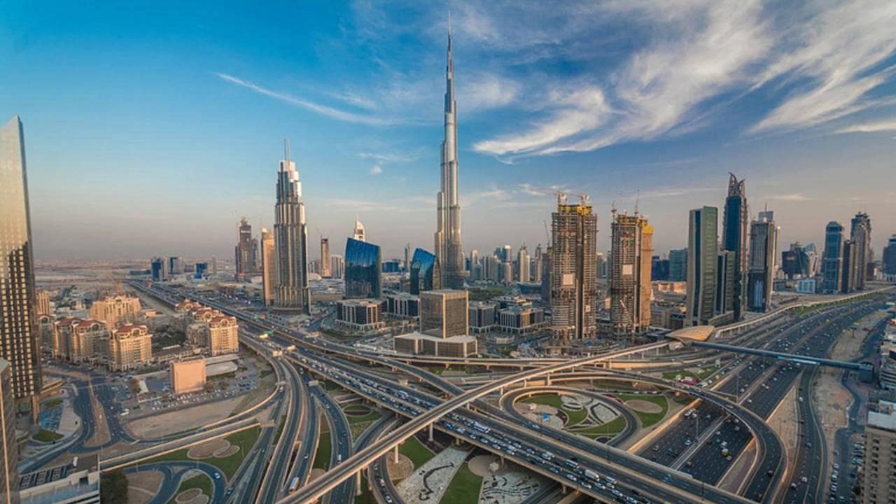 Dubai Becomes Cyberpunk Dystopia, Puts Cops on Hoverbikes