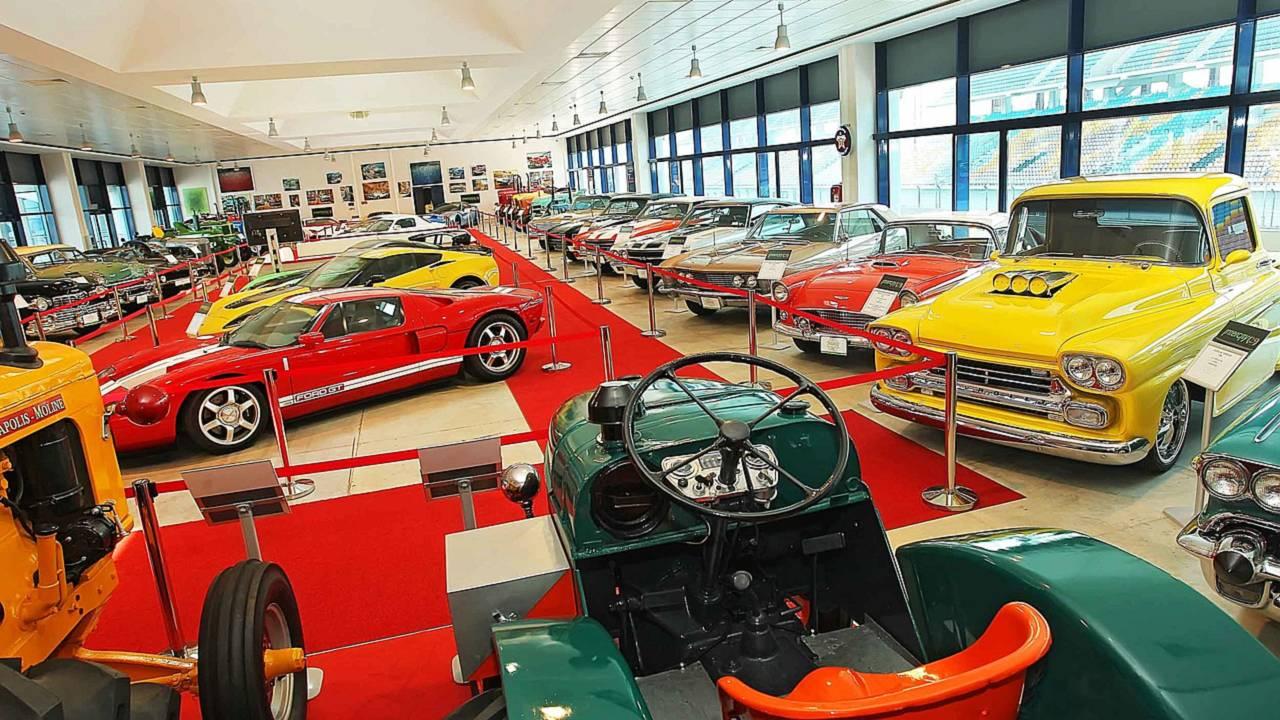 Intercity Otomobil Müzesi ve Vural Ak