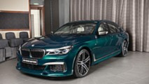 Boston Yeşili Rengindeki BMW M760Li