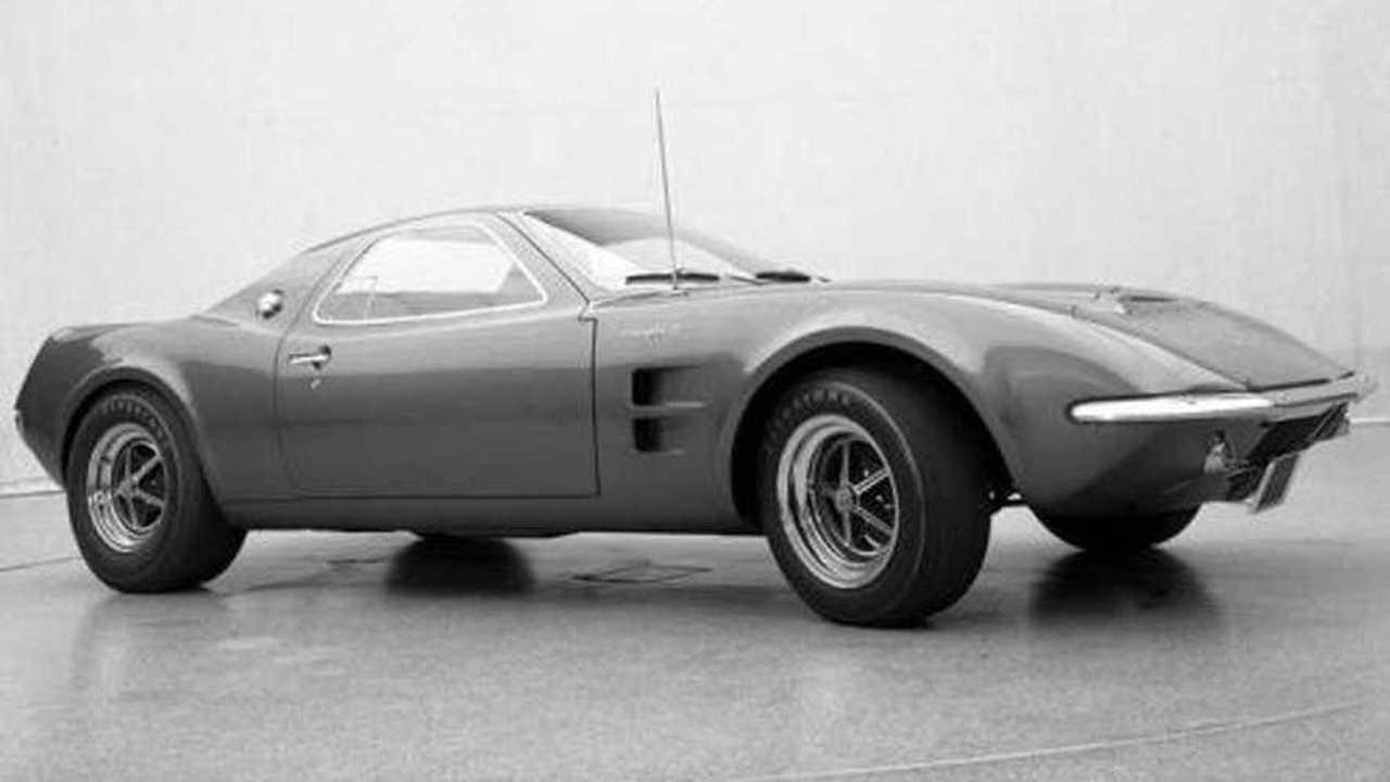 1967 Model Ortadan Motorlu Ford Mustang Prototipi