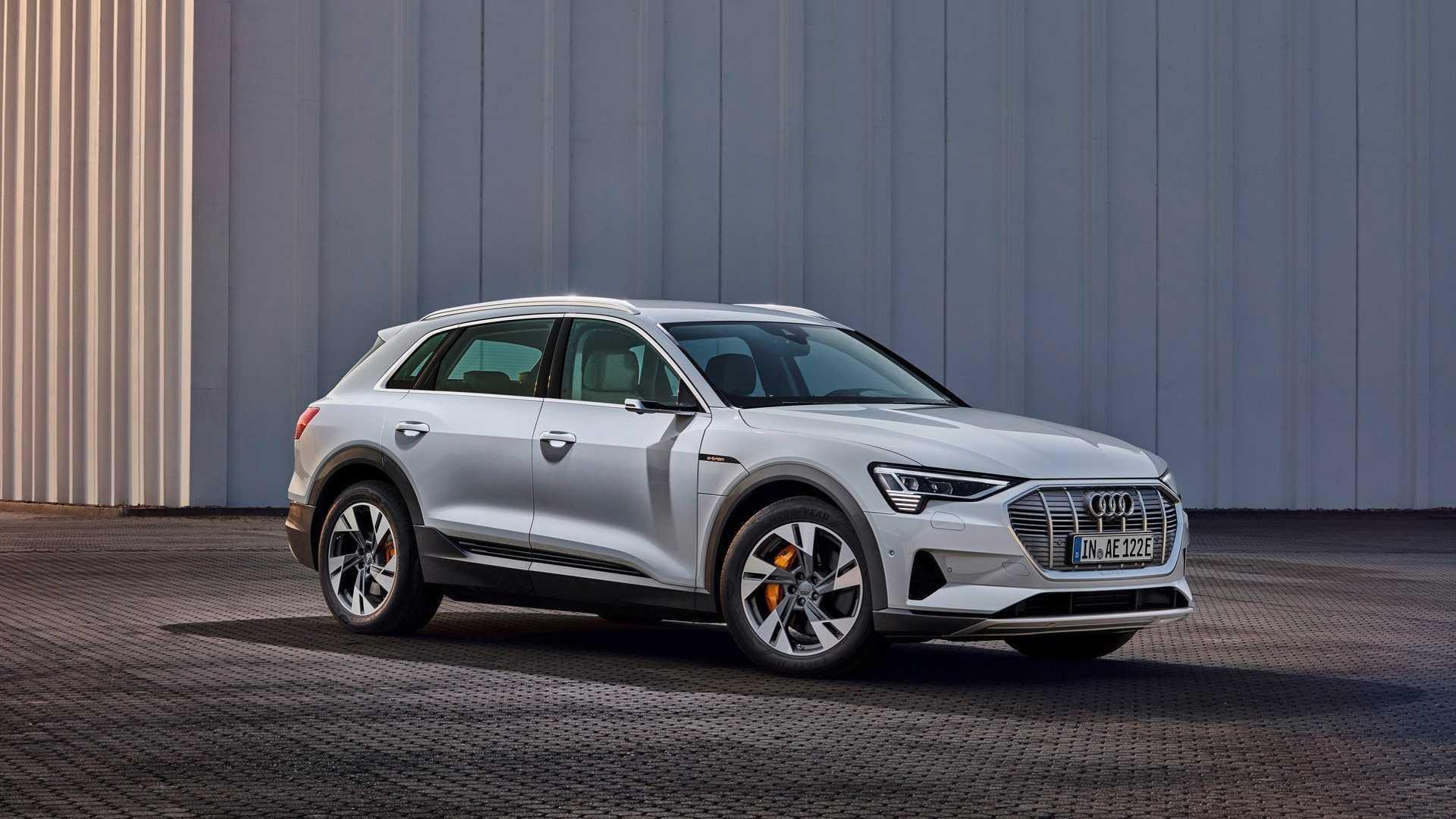 Audi e tron grå