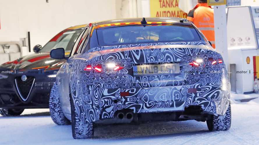 2020 Jaguar XE facelift new spy photos