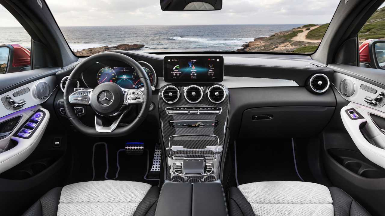 2020 mercedes benz glc coupe gets refreshed face more power. Black Bedroom Furniture Sets. Home Design Ideas