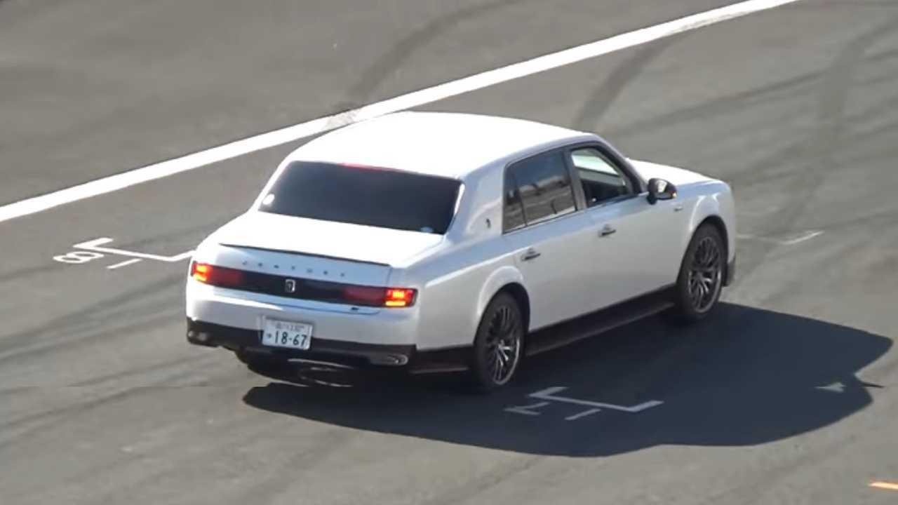 Toyota Century GRMN screenshot