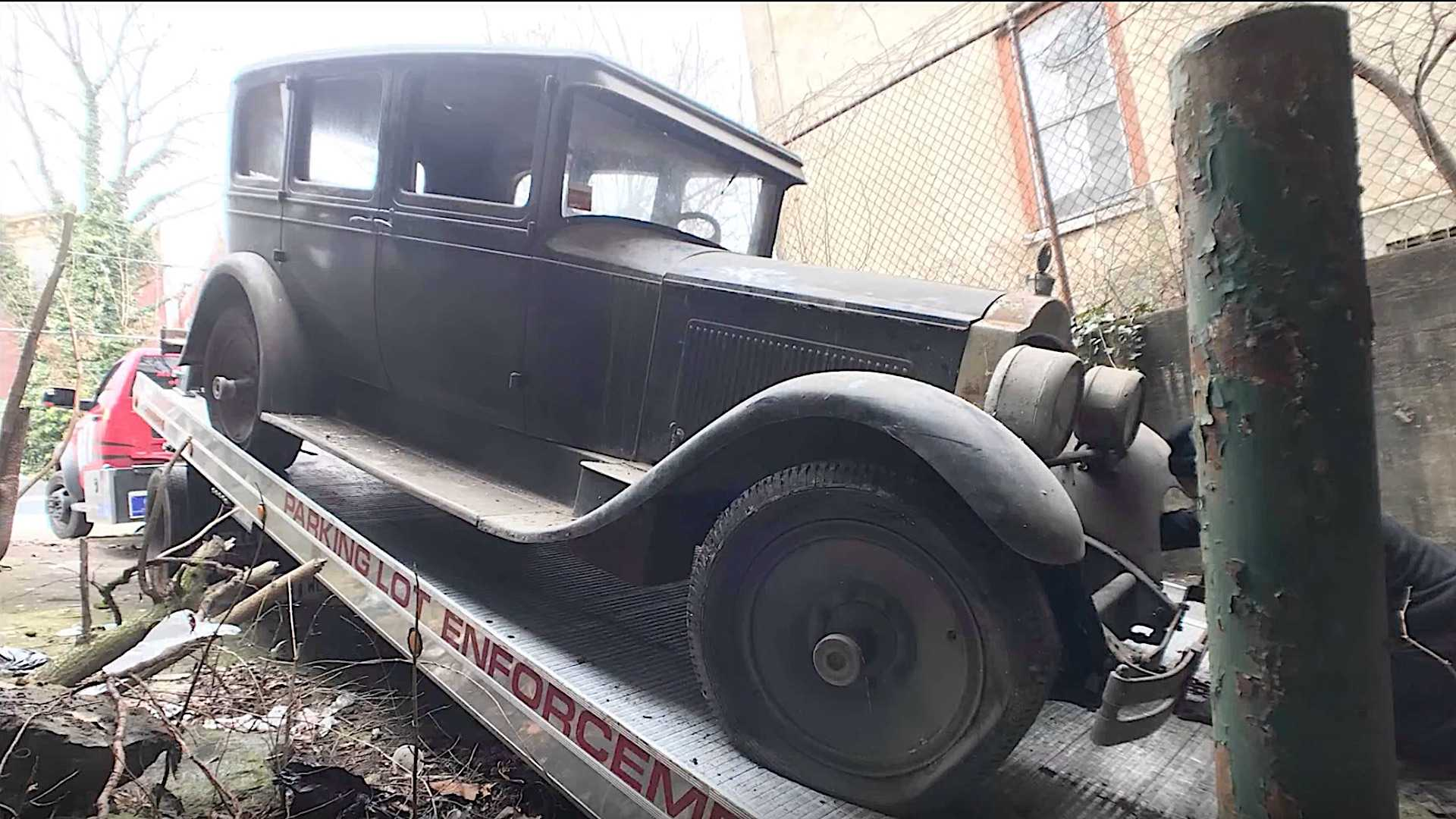 "[""1927 Packard Discovered in Abandoned Factory After Over 40 Years""]"
