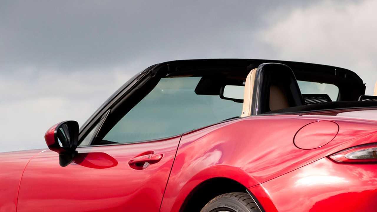 Copertina Spyder e cabriolet, le 10 più vendute in Italia nel 2018