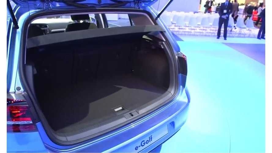 Video: Volkswagen Shows Off e-Golf at 2013 LA Auto Show - Somehow It's Cargo Area Isn't Consumed by Batteries