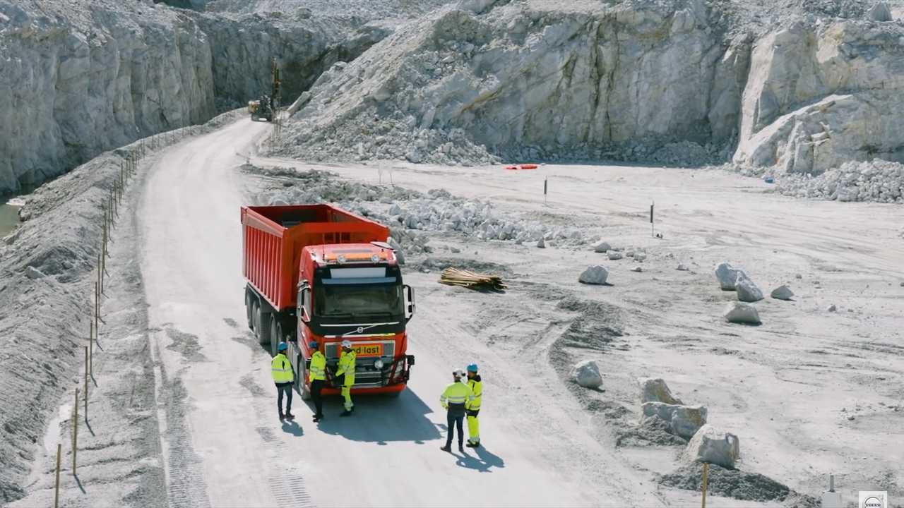 Volvo Driverless Truck At Mine