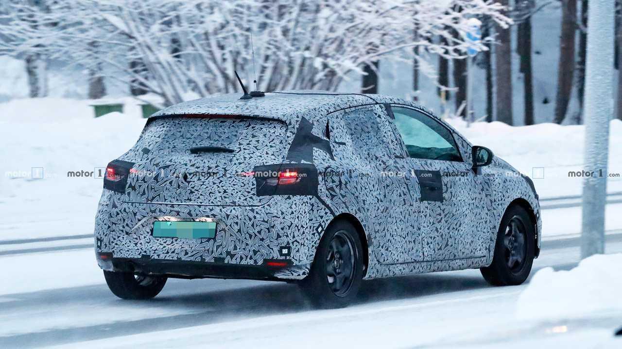 Nuova Renault Clio, le foto spia