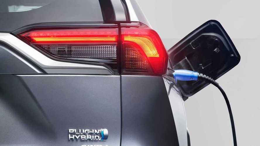 Toyota: entro 5 anni il 90% delle vendite sarà di auto elettrificate