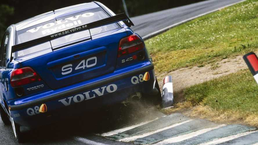 Historic Motorsport Round-up: Rydell back with 1998 BTCC title Volvo S40