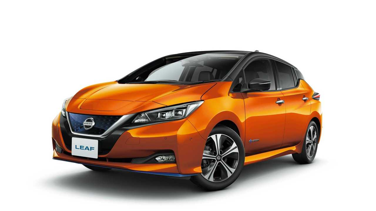 Nissan LEAF e+ G (2-tone Premium Corona Orange and Super Black)