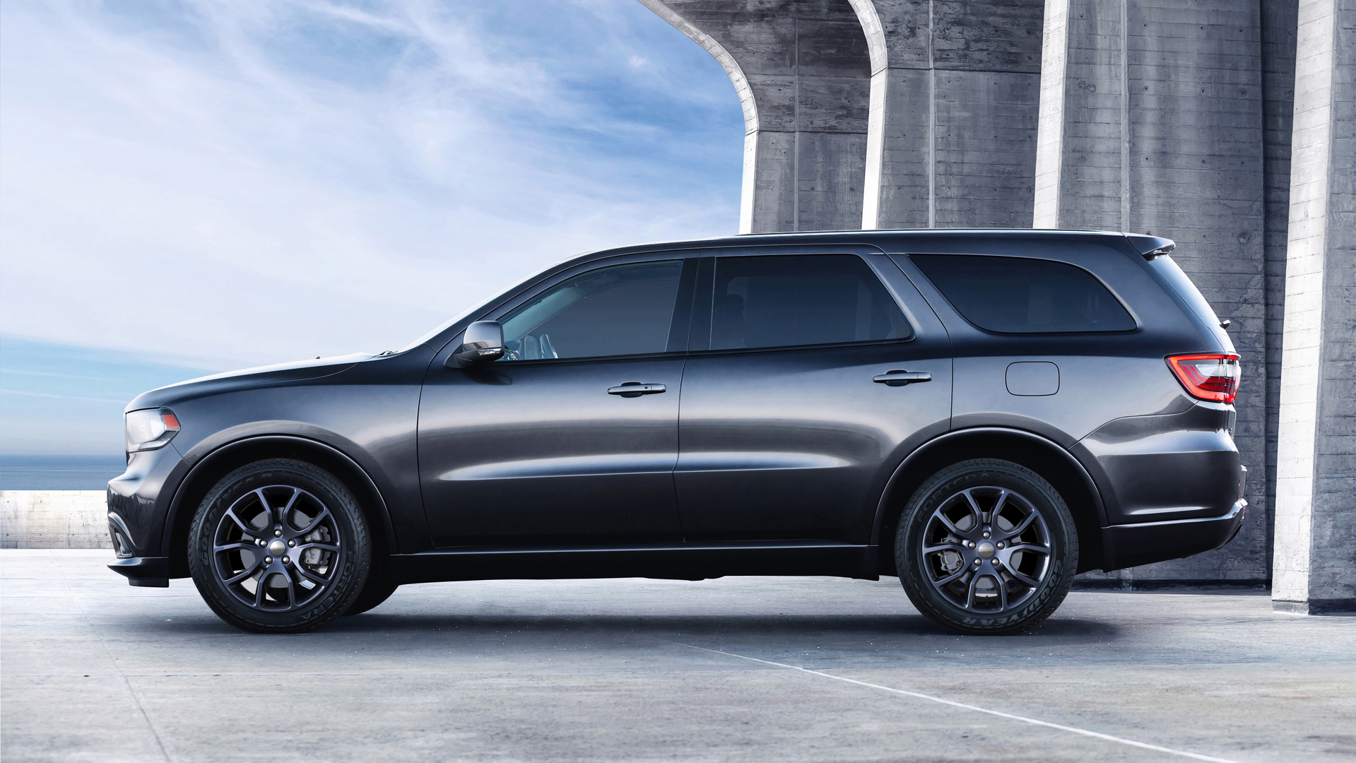 Research 2017                   Dodge Durango pictures, prices and reviews
