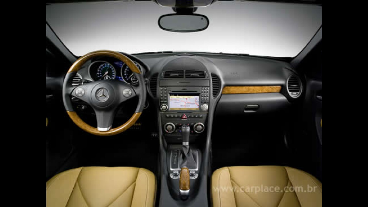 Nova Mercedes Benz SLK ganha motores mais potentes e eficientes