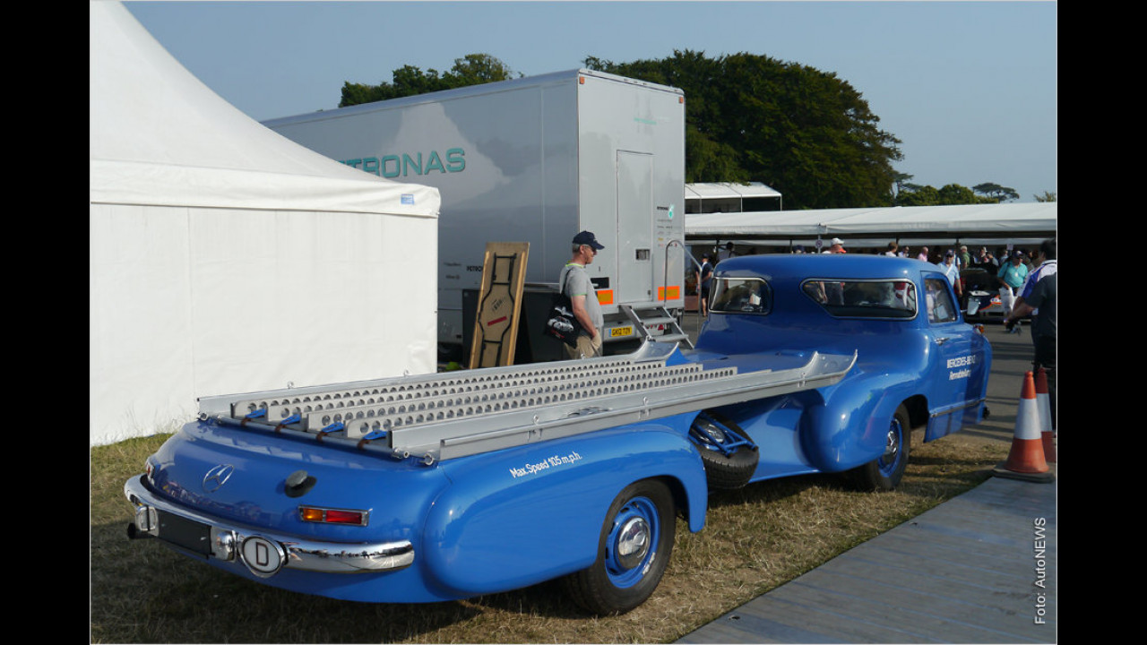 Mercedes-Benz Renntransporter ,Blaues Wunder
