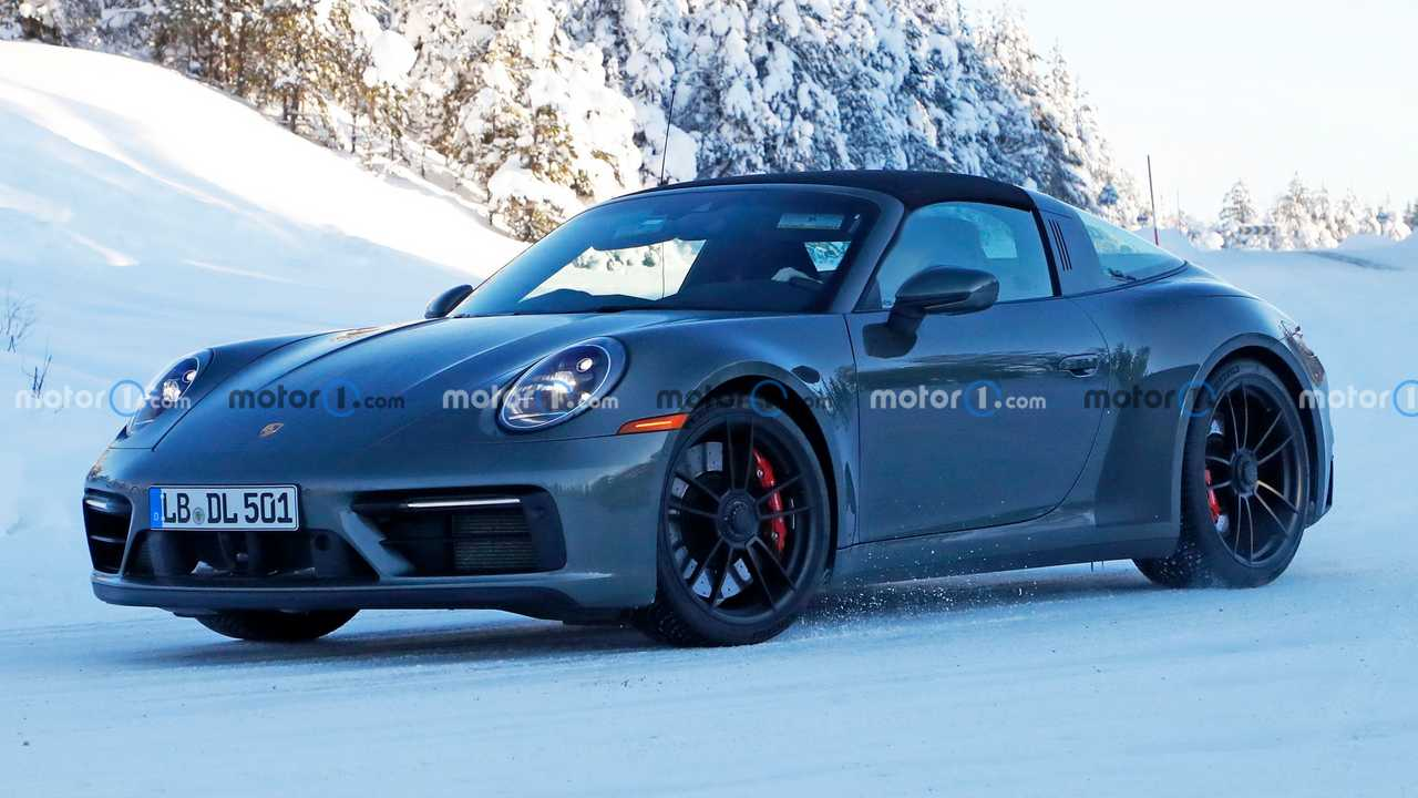 2021 Porsche 911 Targa GTS casus fotoğraf