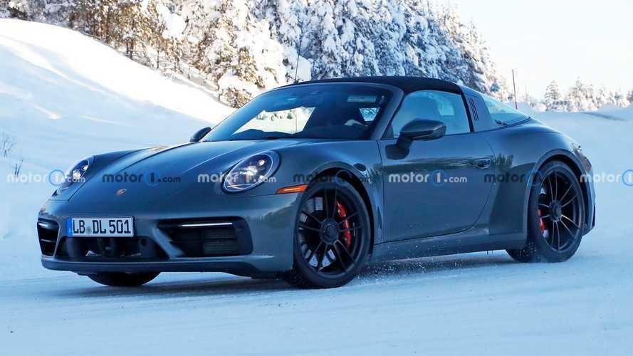 2021 Porsche 911 Targa GTS yeni kabiniyle casuslara yakalandı