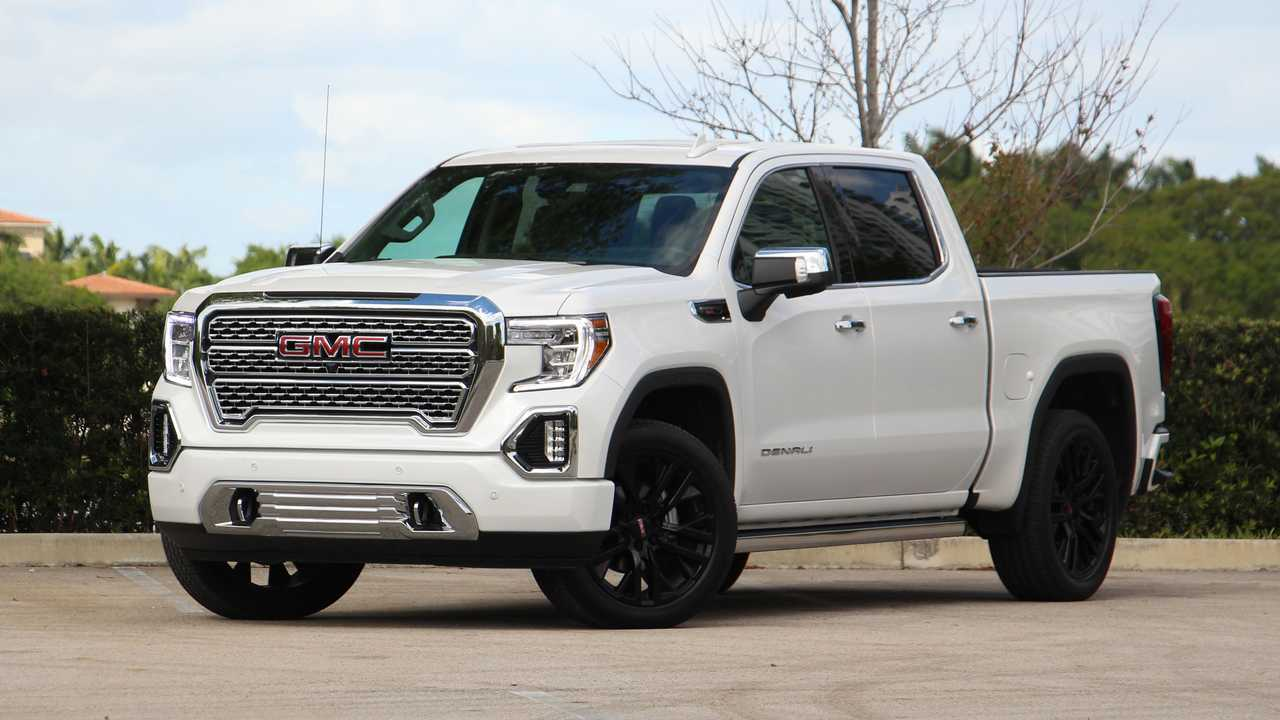 The GMC Sierra 1500 gets Limited holdover model for 2022.
