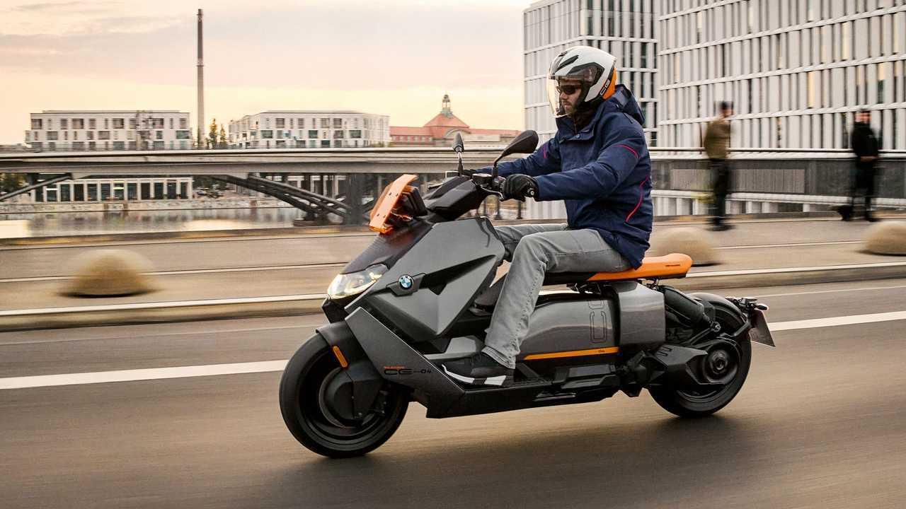 Scooter elétrico BMW CE 04