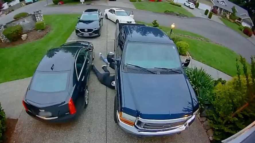 Katalitik dönüştürücü hırsızlığı saniye saniye kameraya yakalandı