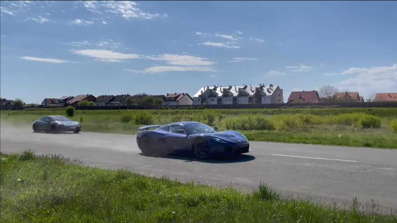 Rimac C_TWo vs Porsche Taycan