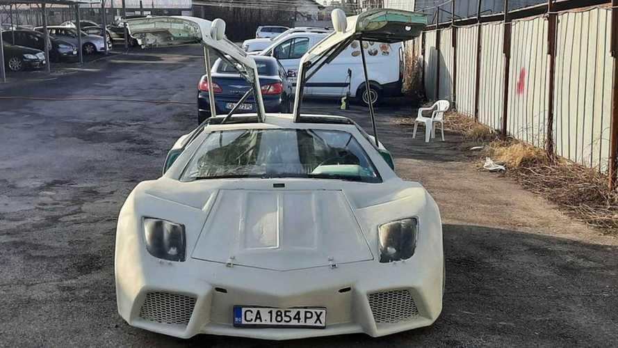 Странная реплика Lamborghini Reventon