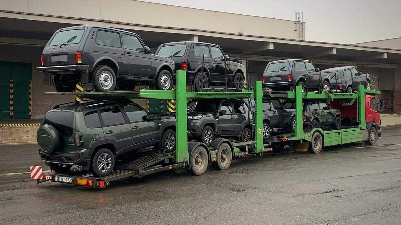 Партия новых Lada Niva приехала в Германию