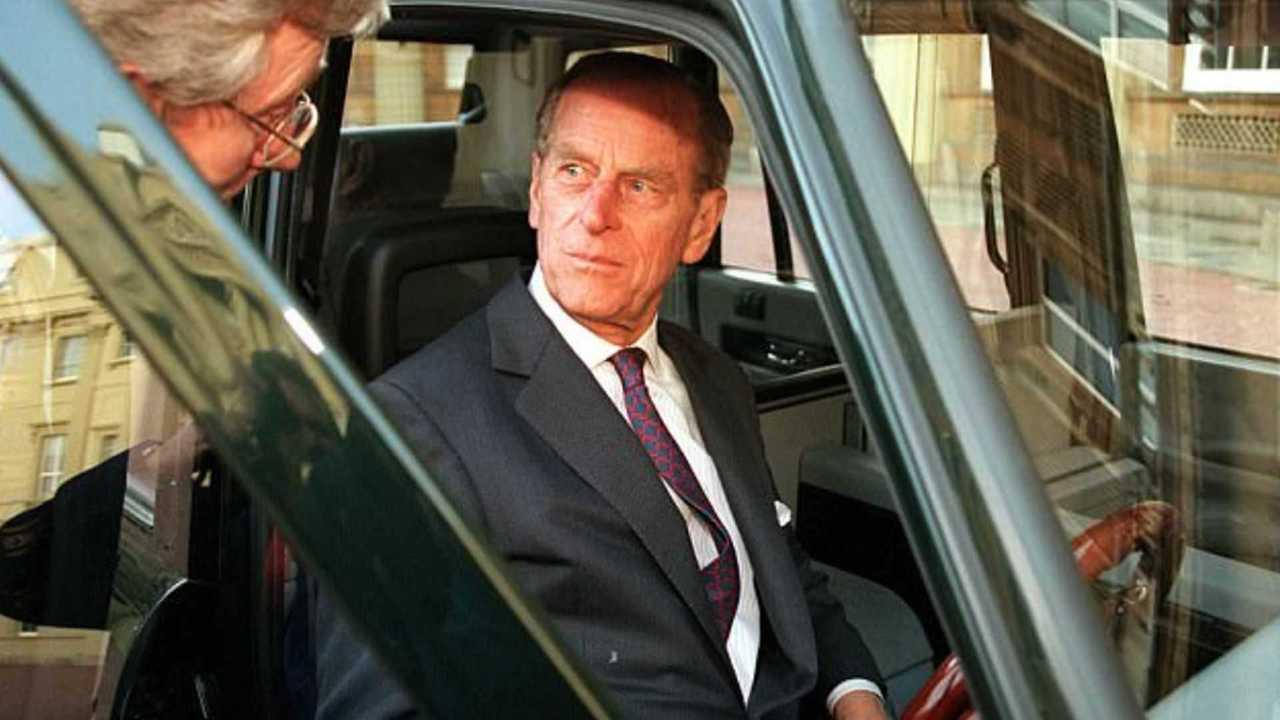 Muitas vezes, sua Alteza Real assumia o volante do táxi