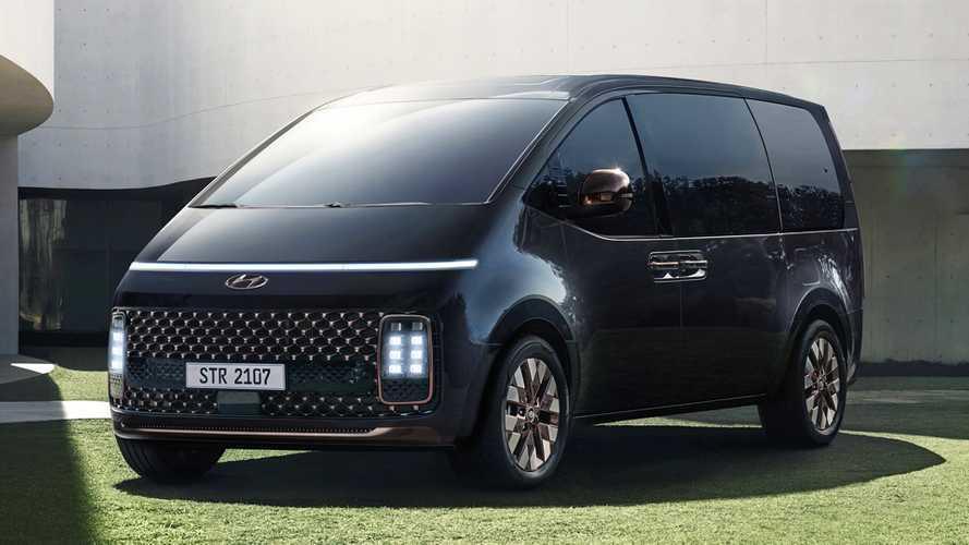 Hyundai Staria, arriva in Europa la monovolume a 11 posti