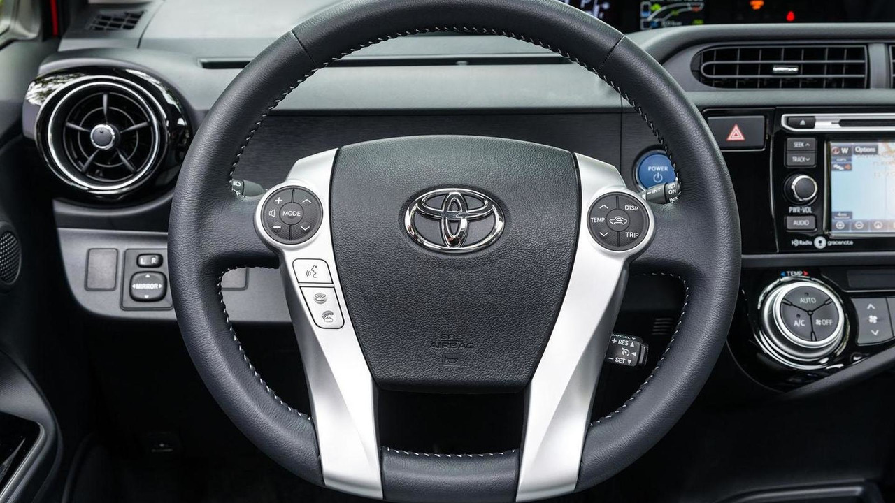 2016 Toyota Prius c 15 of 38 | Motor1 com Photos